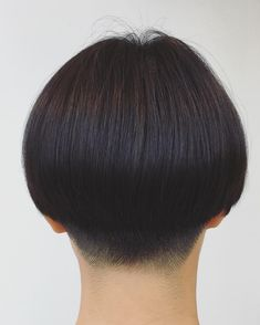 Thick Bangs, Asian Short Hair, Hair Reference, Pixie Haircut, Perm, Short Hair Styles, Hair Cuts, Hair Beauty, Hair Models