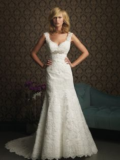 I love the lace. I love the style. This is the dress that I want!