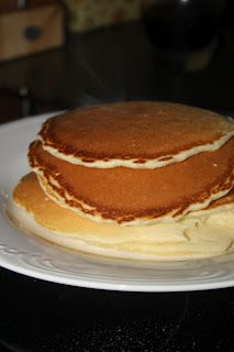 Mostly Homemade Mom: Homemade Pancakes Hungry Jack Pancake Recipe, Egg Recipes For Breakfast, Dessert Recipes, Breakfast Ideas, Pancake Recipes, Crepe Recipes, Classic Pancake Recipe, Easy Homemade Pancakes, Pancakes From Scratch