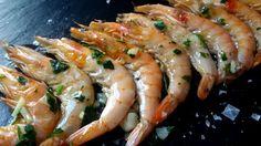 Los langostinos, gambas, camarones, gambones y todos estos pequeños crustáceos de color anaranjado, son una de las tapas más famosas. Se cocinan a la plancha y su sabor es exquisito. Hoy te voy a presentar una pequeña novedad sin humos, que no llenará de olor a fritanga tu cocina y...