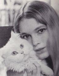 Grandes artistas y sus gatos.Mia Farrow
