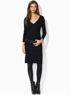 Jersey vneck w/ tights and ankle boots