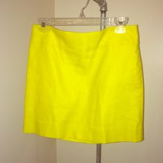 JCrew pencil skirt JCrew Yellow pencil skirt, great condition selling because it's too big, size 2 and definitely true to size. J. Crew Skirts Pencil
