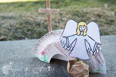 Jesus is risen! Easter craft and Bible Lesson! at www.ArtisticHandsofFaith.com