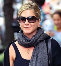 Beauty Secrets We Learned From Jennifer Aniston- loving her sunglasses!