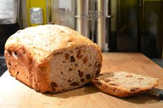 Multi-grain raisin bread made with honey. Quick and easy in the bread machine. Wholemeal Bread Recipe, Multigrain, How To Make Raisins, Bread Recipes, Cooking Recipes, Raisin Bread, Whole Grain Bread, How To Make Bread, Bread Baking
