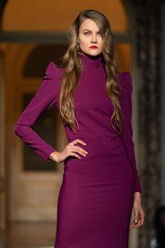 AltaRoma 2020 Orovica Fashion Show Dress Fashion, Fashion Show, Timeless Fashion, Runway, High Neck Dress, Turtle Neck, Zipper, Purple, Womens Fashion