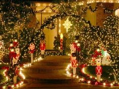 christmas+decorating+ideas   Top Christmas Light Displays - Christmas Decorating - #christmaslightsoutsidehouse