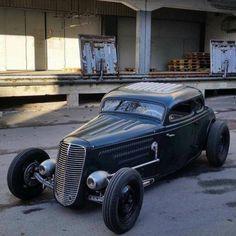 "zeeman57:  ""1933-34 Ford 5-Window Coupe - Hot Rod  """
