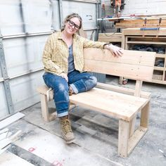 Super simple build that is sturdy and will last a long time! #diy #bench #outdoorfurniture Succulent Planter Diy, Diy Planters, Privacy Screen Outdoor, Privacy Screens, How To Make Drawers, Modern Dog Houses, Hall Tree Bench, Bench With Back, Modern Bench
