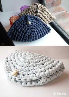 Creative Crochet - 30 Ideas for Crochet Purses - Verônica Wogeley - - Crochê criativo – 30 Ideias de porta-moedas de crochê DIY – 30 ideas of crochet purse - Crochet Wallet, Crochet Coin Purse, Crochet Tote, Crochet Handbags, Crochet Purses, Love Crochet, Crochet Gifts, Hand Crochet, Knit Crochet