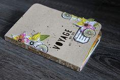 "le blog de miniMlescrap: Mini album ""Voyage"" Mini Albums Scrapbook, Scrapbook Cards, Art Journal Pages, Art Journals, Travel Journals, Minis, Diy Back To School, Diy Notebook, Handmade Books"