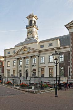 Dordrecht (Zuid-Holland) - Oude stadhuis #dordrecht #stadhuis Rotterdam, Interior Architecture, Netherlands, Countries, Cities, Around The Worlds, London, Paint, Building