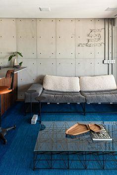 Pequeño pero espacioso Home Interior Design, Interior Architecture, Interior And Exterior, Cozy Living Spaces, Home Living Room, Dream Furniture, Industrial House, Diy Garden Decor, Office Interiors