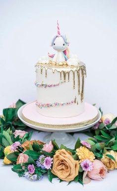 Pastel Unicorn Birthday Cake on Pretty My Party Pretty Cakes, Cute Cakes, Beautiful Cakes, Amazing Cakes, Unicorn Birthday, Birthday Cake, Bolo Cake, Gateaux Cake, Festa Party