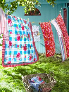 Laundry on a clothes line. Red, white and blue country style. Country Charm, Country Life, Country Girls, Country Living, Country Roads, Country Strong, Country Quilts, Country French, Cottage Living