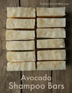 Avocado Shampoo Bar- DIY Avocado Shampoo Bar Recipe- directions are given for both hot process and cold process versions of this natural shampoo bar that will leave your hair soft and shiny! Diy Shampoo, Shampoo Bar, Avocado Shampoo, Avocado Hair, Avocado Butter, Diy Savon, Homemade Soap Recipes, Natural Shampoo, Solid Shampoo