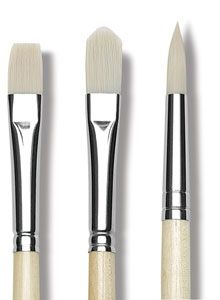 Which paintbrushes do I need to start painting with acrylics?