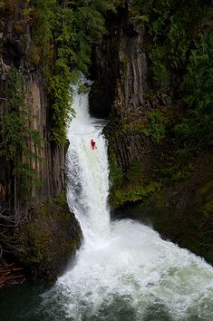 This guy kayaked down Toketee Falls, one of my favorite waterfalls because of all the caves and the six drops ending in a spectacular 65' drop. Amazing!