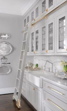 """Awesome Rustic Farmhouse Kitchen Cabinets Décor Ideas Of Your Dreams the upper glass cabinets with ladder and the """"lock"""" doorknob Kitchen Cabinet Styles, Kitchen Cabinets Decor, Farmhouse Kitchen Cabinets, Grey Cabinets, Cabinet Decor, Farmhouse Style Kitchen, Home Decor Kitchen, Kitchen Interior, Cabinet Makeover"""