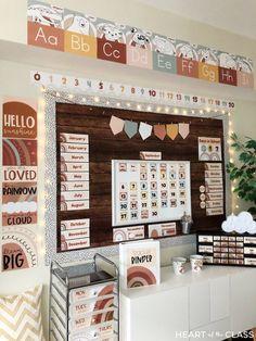 Elementary Classroom Themes, Toddler Classroom, New Classroom, Classroom Setting, Classroom Crafts, Classroom Design, Classroom Ideas, Kindergarten Classroom Decor, Classroom Calendar
