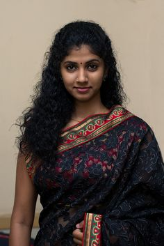 India is so special for the rich cultural variety and colourful dressing traditions. Saree (sari) is the best among Indian dresses. Beautiful Girl Indian, Most Beautiful Indian Actress, Beautiful Saree, Beautiful Actresses, Gorgeous Women, Hot Actresses, Beautiful Places, Indian Natural Beauty, Indian Beauty Saree