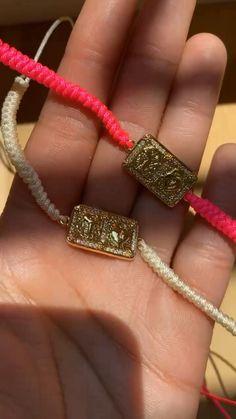 Diy Jewelry Rings, Diy Jewelry Necklace, Diy Jewelry Projects, Handmade Wire Jewelry, Jewelry Making Tutorials, Cute Jewelry, Jewelry Crafts, Macrame Bracelet Diy, Macrame Bracelet Patterns