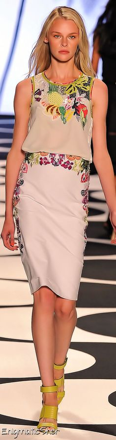 Nicole Miller Spring Summer 2015 Ready-To-Wear