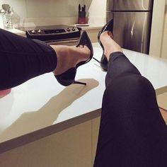 Men In Heels, Hot Heels, Sexy Heels, Womens High Heels, Pointed Toe Heels, High Heel Pumps, Stiletto Heels, Stilettos, Cool High Heels