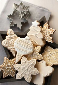 pretty holiday cookies with white icing
