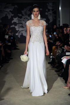Las novias clásicas de Carolina Herrera 2015 en la New York Bridal Week [Fotos]