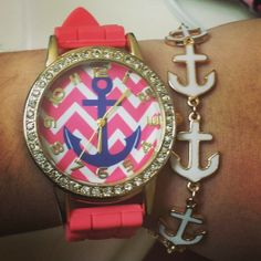 Im not much of a watch person, love the bracelet♡