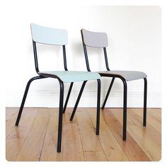2 chaises d'école vintage -