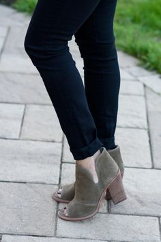 How to Wear Ankle Boots -- Single Cuff Black Skinnies with Taupe Cut-Out Booties