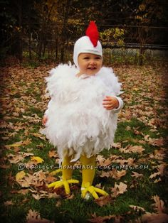 Cutest Chicken Homemade Costume: This cutest Chicken costume was originally made for my oldest daughter, 7 years ago. And it is just as cute on her baby sister, as the day she wore it Toddler Chicken Costume, Chicken Costumes, Cute Chickens, Baby Chickens, Clever Halloween Costumes, Halloween Diy, Halloween 2017, Halloween Treats, Happy Halloween