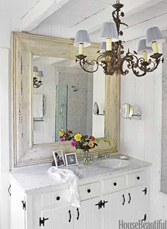 Need this mirror but round for my living room! Beach House Bathroom, Beach Bathrooms, Beach House Decor, Home Decor, White Bathroom, Bathroom Bath, Cosy Bathroom, Mirror Bathroom, Basement Bathroom