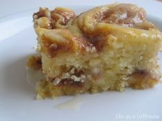 Cinnamon Roll Cake....yes please!