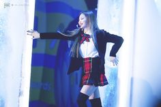 "BLACKPINK's Jennie was seen wearing a jaw-dropping outfit in her latest performance.  In a recent performance of their new title track ""Playing With Fire"", BLACKPINK crushed the stage, garbed in a stylish combination of fierce leather, and school uniform-esque outfits. Jennie in particular stood out for her short plaid skirt, coupled with a velvet blazer jacket and …"