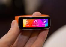 Samsung Gear Fit - Watches and wrist devices - CNET Reviews