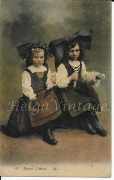 Antique French postcard, little girls, spinning wheel, Enfants d'Alsace 1910 Alsace, Vintage Postcards, French Antiques, Spinning, Children, Kids, Little Girls, Ethnic, Portraits