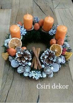 Adventi koszorú Country Christmas, Christmas Art, Vintage Christmas, Christmas Holidays, Christmas Ornaments, Advent Wreath, Diy Wreath, Diy And Crafts, Creative Crafts
