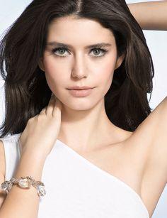 Turkish Actress: Beren Saat