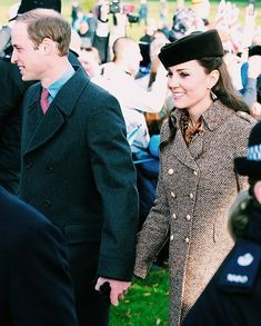 Catherine, Duchess of Cambridge and Prince William, Duke of Cambridge arrives for the Christmas Day Service at Sandringham Church on December 25, 2014