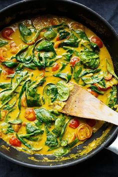Coconut Curry with Spinach and Tomatoes - Cooking Carousel Coconut Curry with Spinach and T . - Coconut curry with spinach and tomatoes – Cooking carousel Coconut curry with spinach and tomatoe - Veggie Recipes, Indian Food Recipes, Vegetarian Recipes, Cooking Recipes, Healthy Recipes, Sausage Recipes, 30 Minute Meals, Soul Food, Food Inspiration