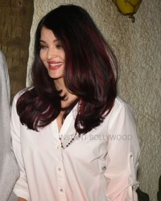 Aishwarya Rai Young, Actress Aishwarya Rai, Bollywood Actress, World Most Beautiful Woman, Most Beautiful Indian Actress, Haircuts For Long Hair, Kareena Kapoor, Bollywood Stars, How To Make Hair
