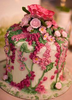 Pink flower cake - do in buttercream