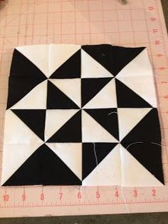 knit 'n lit: Modern Half-Square Triangle Quilt-a-Long Block 11 Quilting Tutorials, Quilting Projects, Quilting Designs, Half Square Triangle Quilts, Square Quilt, Quilt Block Patterns, Quilt Blocks, Black And White Quilts, Two Color Quilts