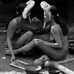 Folha de S.Paulo - São Paulo - Fotógrafo retrata índios isolados na Amazônia 20 anos depois das primeiras imagens - 27/10/2013