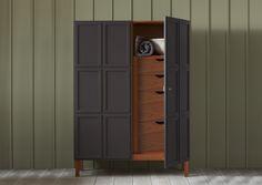 frey armoire