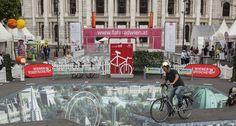 1200 TEILNEHMER AN DER VELOCITYKONFERENZ IN WIEN Zeitgleich mit der Fahrradkonferenz gibt es viel Programm in Wien. Times Square, Street View, Travel, Riding Bikes, Bicycling, Trips, Viajes, Traveling, Outdoor Travel